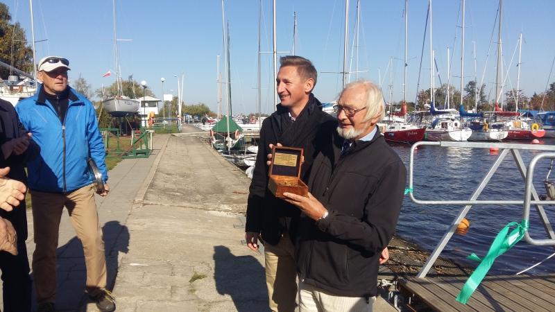 Jacht Klub AZS podnosi standard dla żeglarzy